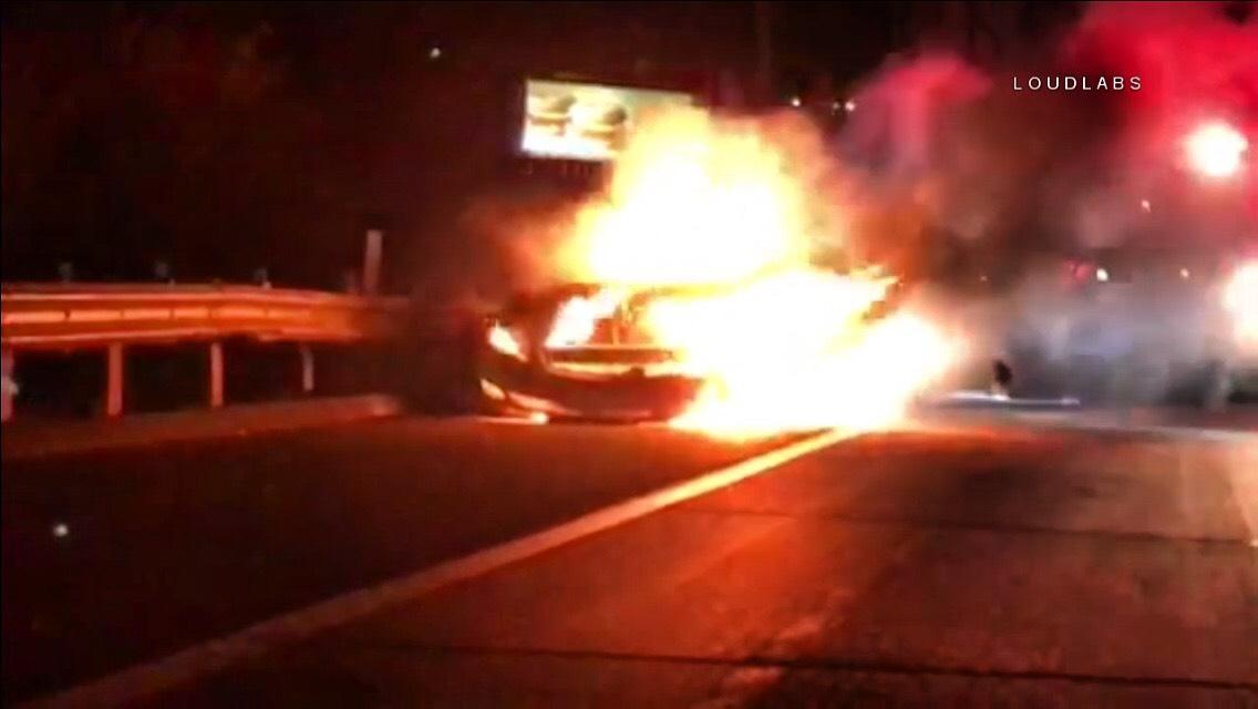 POMONA: Freeway Car Fire   Loudlabs